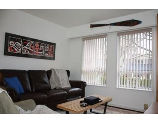 Photo 9: 3058 West 12th Avenue in Vancouver: Kitsilano VW Multifamily for sale ()  : MLS®# V921038