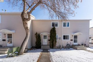 Photo 1: 188 CENTENNIAL Court in Edmonton: Zone 21 Townhouse for sale : MLS®# E4232176