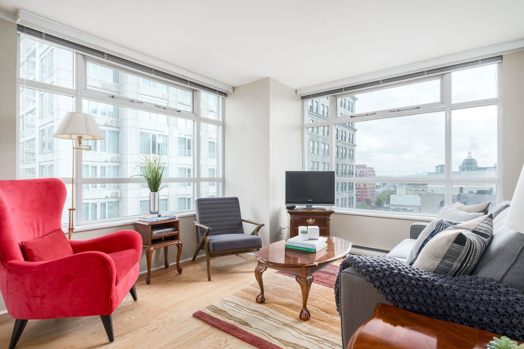 Main Photo: 907 438 SEYMOUR Street in Vancouver: Downtown VW Condo for sale (Vancouver West)  : MLS®# R2617636