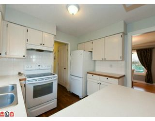 """Photo 6: 5885 ANGUS Place in Surrey: Cloverdale BC House for sale in """"JERSEY HILLS"""" (Cloverdale)  : MLS®# F1004441"""