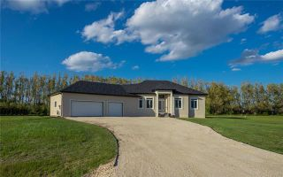 Photo 1: 36 Jack Road in St Clements: Residential for sale (R02)  : MLS®# 1915871