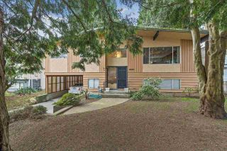 Main Photo: 15836 RUSSELL Avenue: White Rock House for sale (South Surrey White Rock)  : MLS®# R2562084