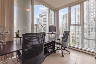 "Photo 16: 2307 583 BEACH Crescent in Vancouver: Yaletown Condo for sale in ""2 PARK WEST"" (Vancouver West)  : MLS®# R2574813"