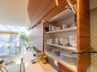 """Photo 10: 1674 ARBUTUS Street in Vancouver: Kitsilano Townhouse for sale in """"Arbutus Court"""" (Vancouver West)  : MLS®# R2561294"""