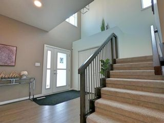 Photo 2: 29 McCrindle Bay in Winnipeg: Charleswood Residential for sale (1H)  : MLS®# 202023573