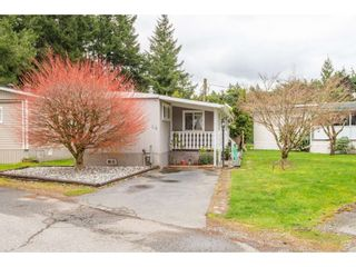"""Photo 3: 14 20071 24 Avenue in Langley: Brookswood Langley Manufactured Home for sale in """"Fernridge Park"""" : MLS®# R2562399"""