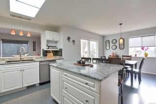 Photo 6: 2765 Bradford Dr in : CR Willow Point House for sale (Campbell River)  : MLS®# 859902