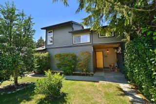 Photo 5: 685 Daffodil Ave in Saanich: SW Marigold House for sale (Saanich West)  : MLS®# 882390