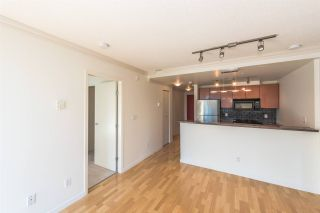 """Photo 3: 1405 928 RICHARDS Street in Vancouver: Yaletown Condo for sale in """"SAVOY"""" (Vancouver West)  : MLS®# R2107849"""