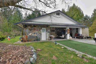 Photo 1: 4384 CAMEO Road in Sechelt: Sechelt District House for sale (Sunshine Coast)  : MLS®# R2560543