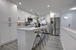 Photo 10: 428 Queensland Place SE in Calgary: Queensland Detached for sale : MLS®# A1123747