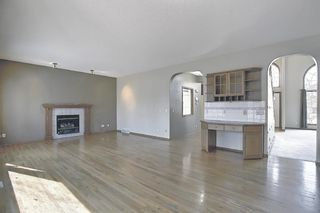 Photo 12: 112 Mt Alberta View SE in Calgary: McKenzie Lake Detached for sale : MLS®# A1082178