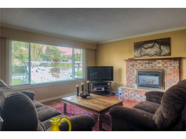 Main Photo: 1447 HELEN Drive in Port Coquitlam: Mary Hill House for sale : MLS®# V1052270
