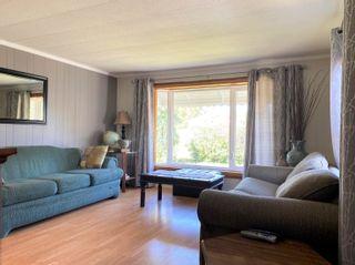 Photo 5: 4907 52 Avenue: Breton House for sale : MLS®# E4260303