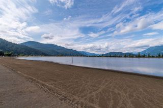 Photo 2: 105 378 ESPLANADE Avenue: Harrison Hot Springs Condo for sale : MLS®# R2441659