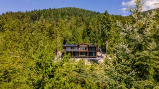 "Photo 2: 1024 GOAT RIDGE Drive: Britannia Beach House for sale in ""Britannia Beach"" (Squamish)  : MLS®# R2528236"