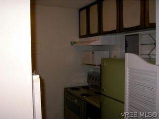 Photo 5: 311 1433 Faircliff Lane in VICTORIA: Vi Fairfield West Condo for sale (Victoria)  : MLS®# 493249