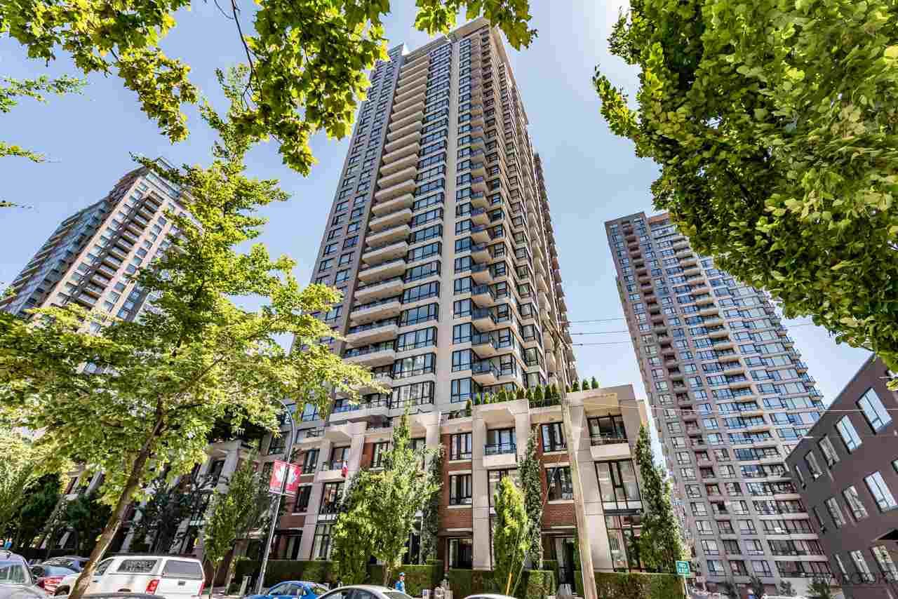 """Main Photo: 2308 928 HOMER Street in Vancouver: Yaletown Condo for sale in """"YALETOWN PARK"""" (Vancouver West)  : MLS®# R2181999"""