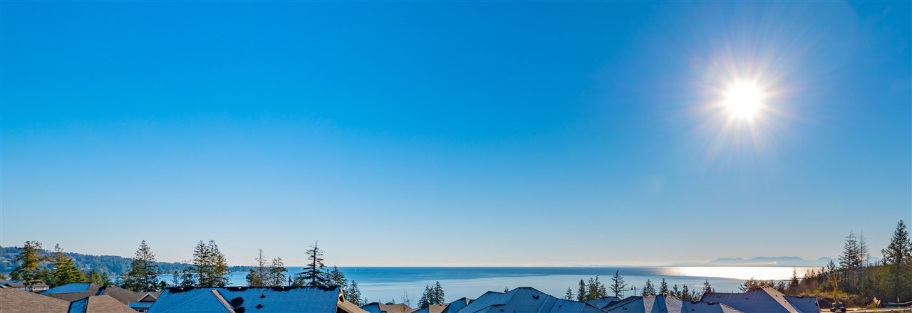 """Main Photo: 5622 KINGBIRD Crescent in Sechelt: Sechelt District House for sale in """"SilverStone Heights Phase2"""" (Sunshine Coast)  : MLS®# R2365859"""