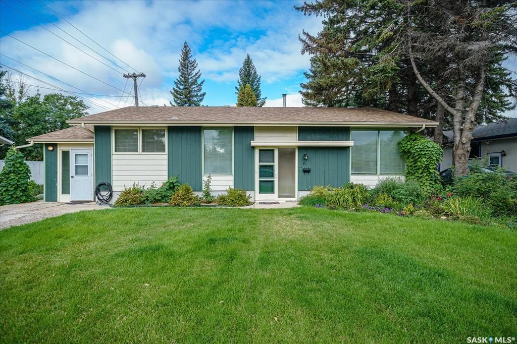 Main Photo: 6 Spinks Drive in Saskatoon: West College Park Residential for sale : MLS®# SK869610