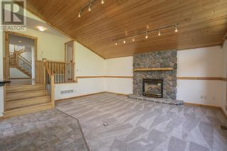 Photo 5: 25890 FIELD ROAD in Prince George: House for sale : MLS®# R2602085