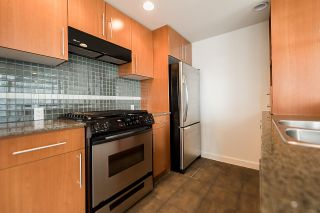 """Photo 12: 2302 583 BEACH Crescent in Vancouver: Yaletown Condo for sale in """"Park West 2 Yaletown"""" (Vancouver West)  : MLS®# R2179212"""