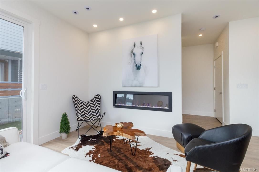 Main Photo: 105 3333 Radiant Way in Langford: La Happy Valley Row/Townhouse for sale : MLS®# 831441