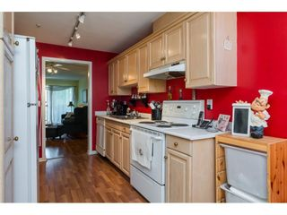 Photo 10: 203 20240 54A AVENUE in Langley: Langley City Condo for sale : MLS®# R2194442