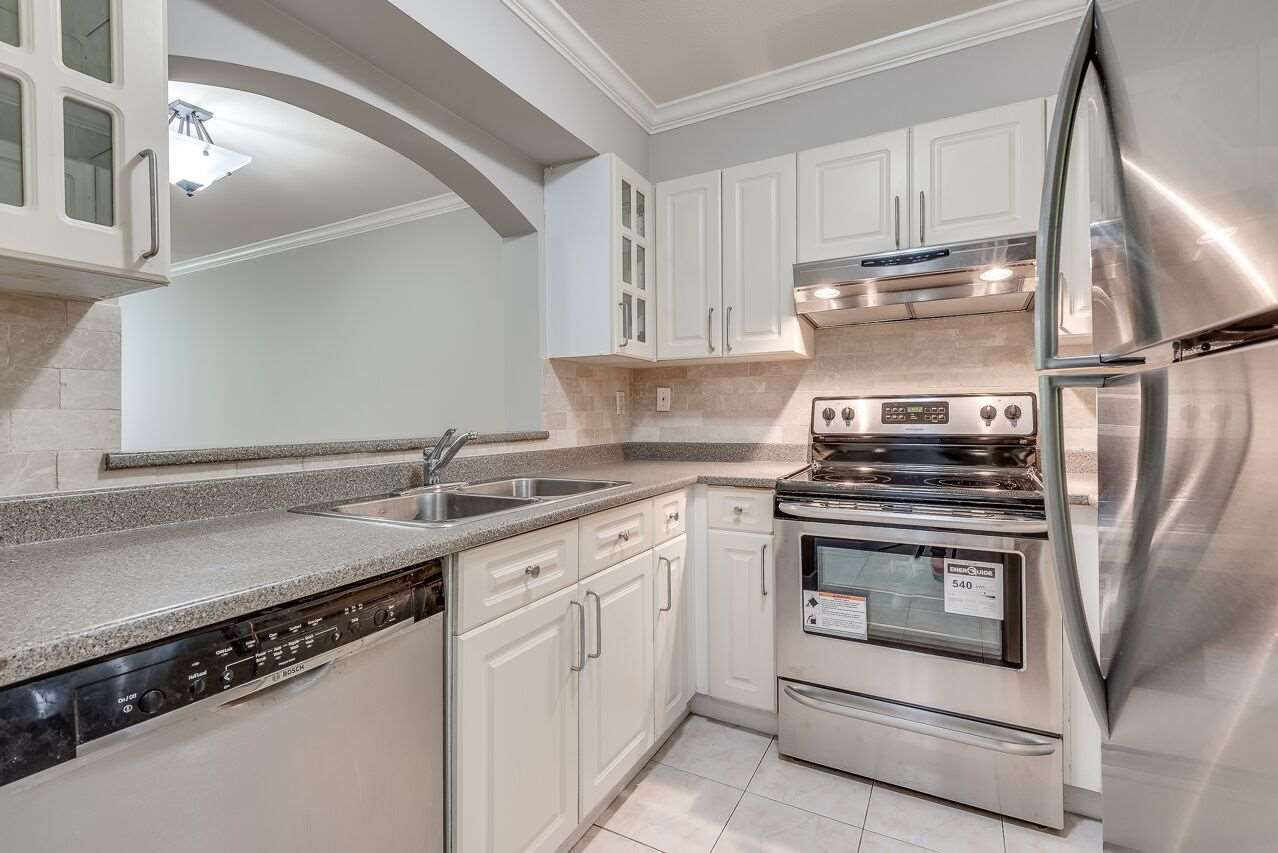 """Photo 9: Photos: 211 3738 NORFOLK Street in Burnaby: Central BN Condo for sale in """"Winchelsea"""" (Burnaby North)  : MLS®# R2276086"""