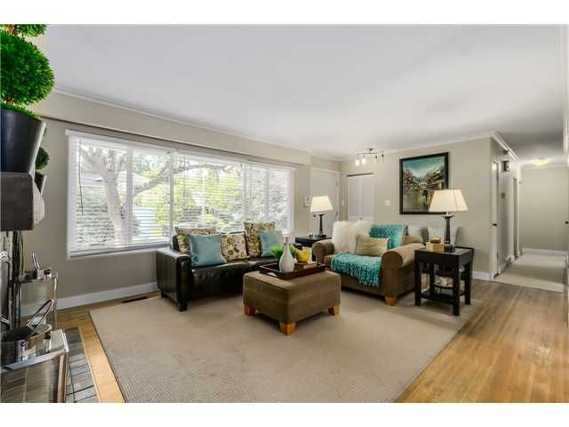 """Photo 2: Photos: 1361 E 15TH Street in North Vancouver: Westlynn House for sale in """"WESTLYNN"""" : MLS®# V1129244"""