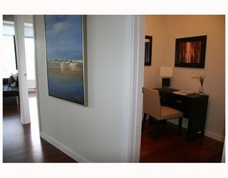 """Photo 9: 802 2055 YUKON Street in Vancouver: Mount Pleasant VW Condo for sale in """"MONTREUX"""" (Vancouver West)  : MLS®# V731923"""
