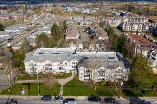 """Photo 19: 311 20881 56 Avenue in Langley: Langley City Condo for sale in """"Roberts Court"""" : MLS®# R2437308"""