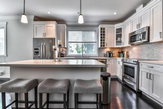 """Photo 8: 1 16458 23A Avenue in Surrey: Grandview Surrey Townhouse for sale in """"Essence At The Hamptons"""" (South Surrey White Rock)  : MLS®# R2394314"""
