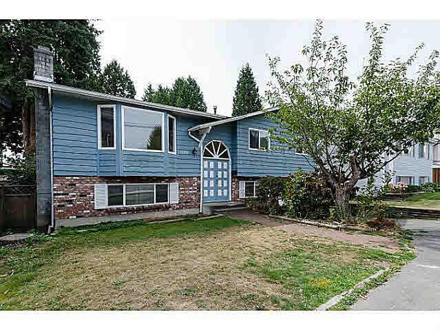 "Main Photo: 15970 N BLUFF Road: White Rock House for sale in ""White Rock"" (South Surrey White Rock)  : MLS®# F1450354"
