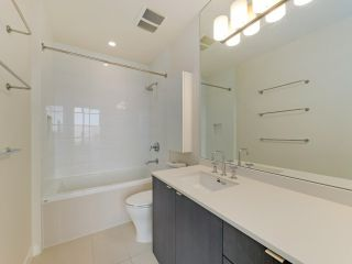 """Photo 13: 1806 111 E 1ST Avenue in Vancouver: Mount Pleasant VE Condo for sale in """"BLOCK 100"""" (Vancouver East)  : MLS®# R2614472"""