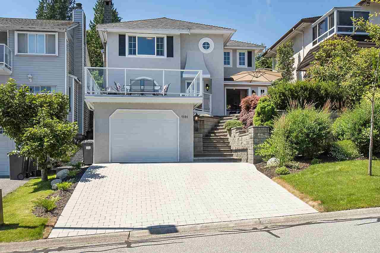 Main Photo: 1181 RUSSELL Avenue in North Vancouver: Indian River House for sale : MLS®# R2478577