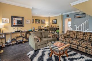 """Photo 4: 9 2951 PANORAMA Drive in Coquitlam: Westwood Plateau Townhouse for sale in """"STONEGATE ESTATES"""" : MLS®# R2622961"""