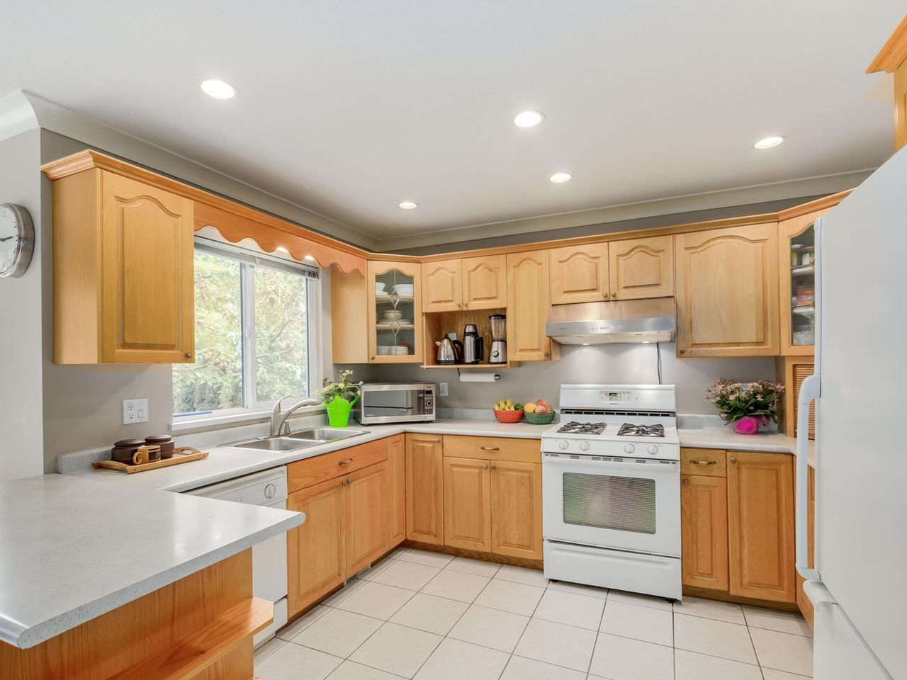 """Photo 6: Photos: 8238 149 Street in Surrey: Bear Creek Green Timbers House for sale in """"SHAUGHNESSY"""" : MLS®# R2078750"""