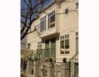 """Photo 1: 3727 W 10TH Ave in Vancouver: Point Grey Townhouse for sale in """"THE FOLKSTONE"""" (Vancouver West)  : MLS®# V644591"""