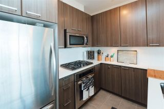 Photo 4: 507 2789 SHAUGHNESSY STREET in Port Coquitlam: Central Pt Coquitlam Condo for sale : MLS®# R2143891