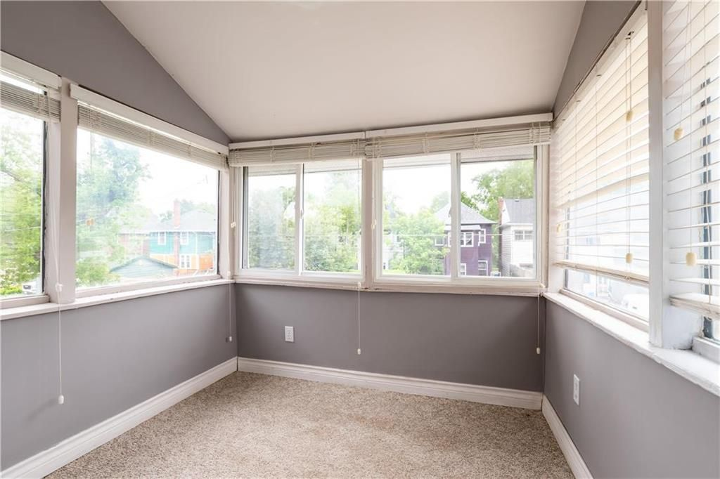 Photo 14: Photos: 778 Warsaw Avenue in Winnipeg: Residential for sale (1B)  : MLS®# 202115955