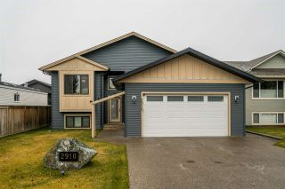 Photo 1: 2910 GREENFOREST Crescent in Prince George: Emerald House for sale (PG City North (Zone 73))  : MLS®# R2433232