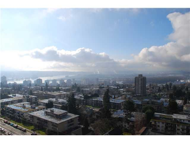 """Main Photo: 1703 612 5TH Avenue in New Westminster: Uptown NW Condo for sale in """"FIFTH AVENUE"""" : MLS®# V931547"""