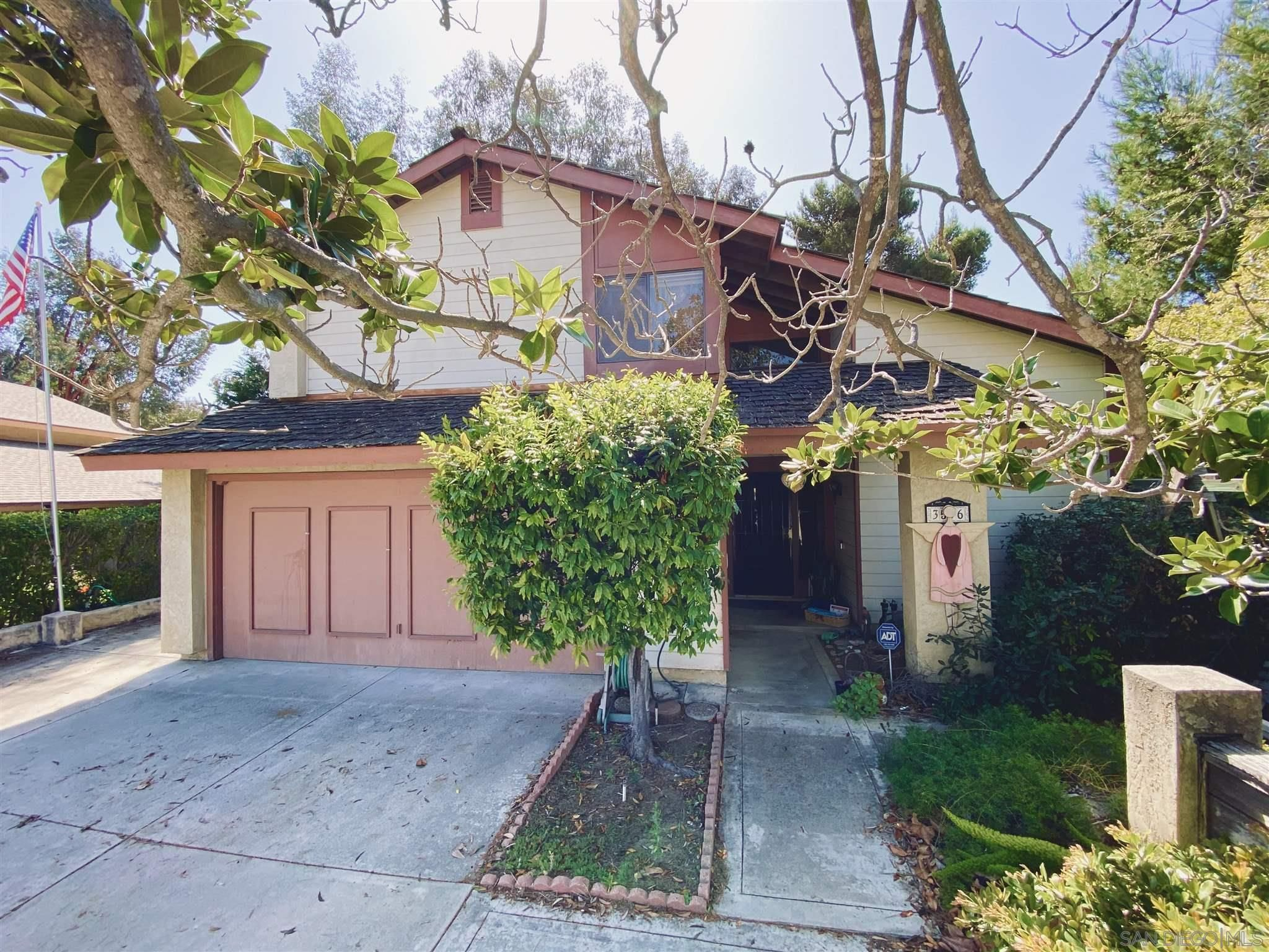 Main Photo: OCEANSIDE House for sale : 4 bedrooms : 3596 Normount Rd