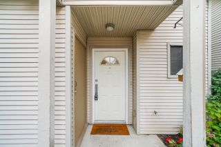 """Photo 3: 29 98 BEGIN Street in Coquitlam: Maillardville Townhouse for sale in """"Le Parc"""" : MLS®# R2625575"""