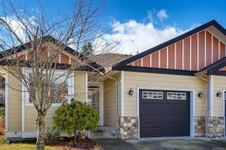 Photo 1: 9 2728 1st St in : CV Courtenay City Row/Townhouse for sale (Comox Valley)  : MLS®# 880301