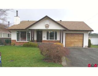 Photo 1: 46523 MAPLE Avenue in Chilliwack: Chilliwack E Young-Yale House for sale : MLS®# H2801496