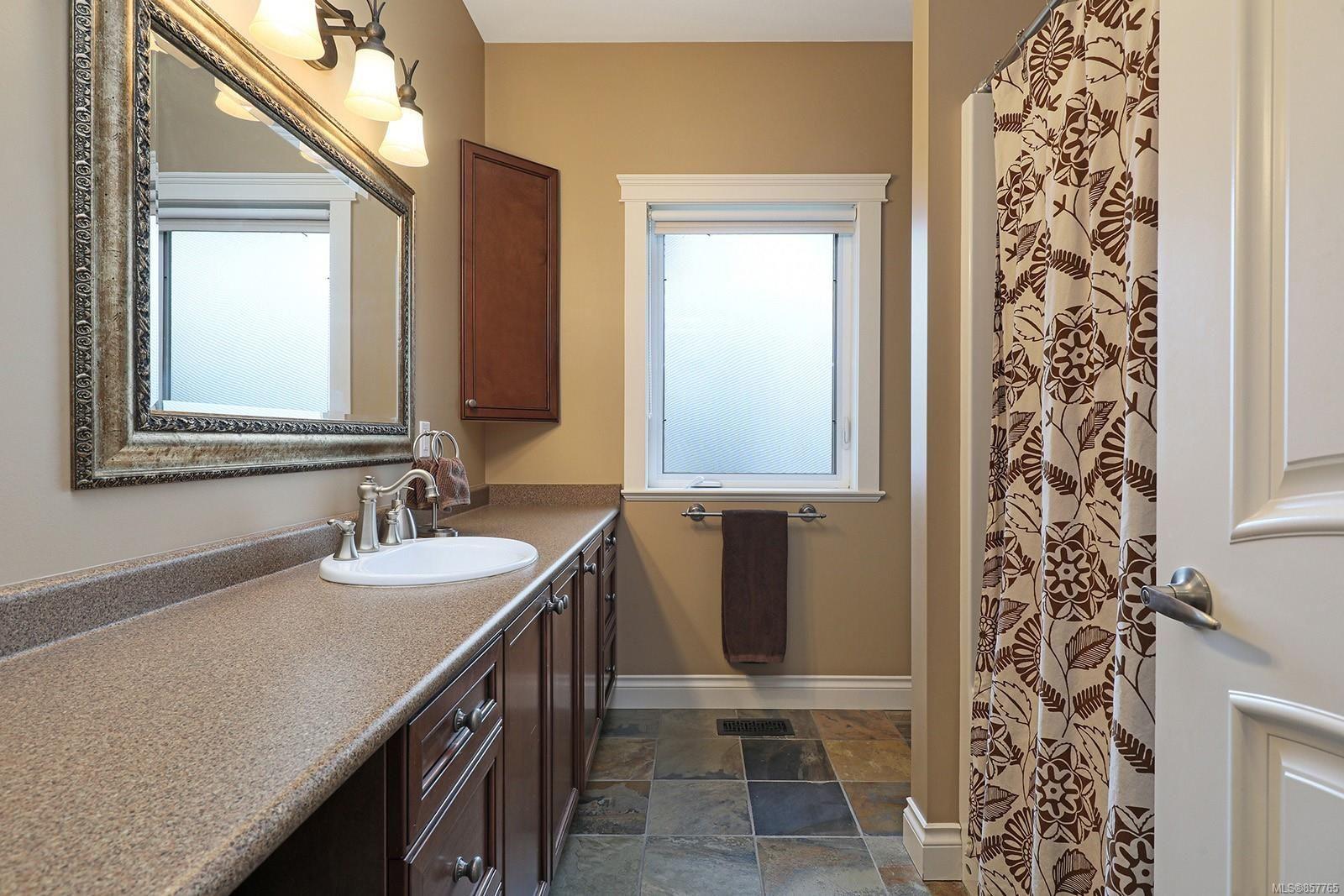 Photo 33: Photos: 1516 Highridge Dr in : CV Comox (Town of) House for sale (Comox Valley)  : MLS®# 857765