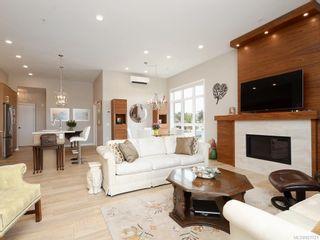 Photo 4: 404 745 Travino Lane in Saanich: SW Royal Oak Condo for sale (Saanich West)  : MLS®# 821721