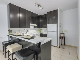 """Photo 9: 408 7368 SANDBORNE Avenue in Burnaby: South Slope Condo for sale in """"MAYFAIR 1"""" (Burnaby South)  : MLS®# R2380990"""